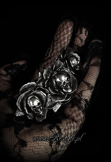 "Gothic hairclip ""DARK WONDERLAND"" Roses and skulls, hair accessory"