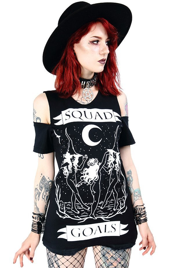 Czarny damski T-shirt cold shoulder Squad Goals